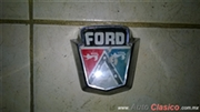 EMBLEMA COFRE SEDAN FORD