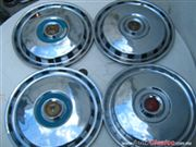 TAPONES PARA FORD FAIRLINE 1955-1956.