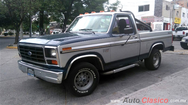 ford explorer f-200 pickup 1986  25234