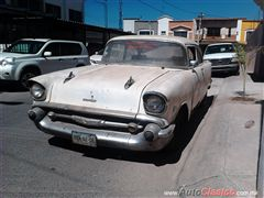 VENDO CHEVROLET BEL AIR 210 1957
