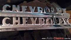Se venden Emblemas lat de cofre chevrolet pick up 47-52. (Replicas cromadas)
