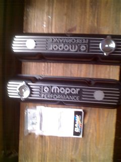 MOPAR PERFORMANCE VALVE COVERS