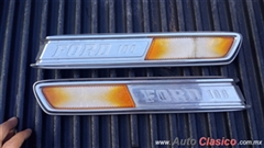 EMBLEMAS LATERALES COFRE FORD PICK-UP 1968-1972