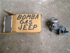 BOMBA DE JEEP WILLIS 1945 NUEVA.