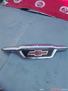 EMBLEMA DE COFRE CHEVROLET PICK UP MOD.1955 1956