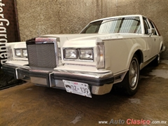 1983 Lincoln Town Car Cartier Hardtop
