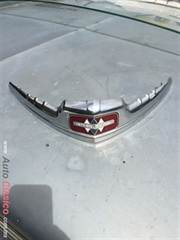 EMBLEMA DE COFRE INTERNATIONAL PICK UP 1946 1947 1948 1949