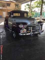 pick up modelo 1949 modificada con hidraulicos para cada llanta,