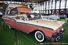 Retromobile 2018 - 1957 & 1958 Ford Fairline Skyliner