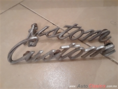 Disponible...Emblema usado CUSTOM para batea ford pick up 70-72
