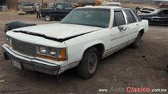 Ford LTD Crown Victoria 1987 POR PIEZAS