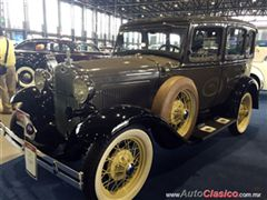 Salón Retromobile FMAAC México 2015 - Ford A Sedan 1931
