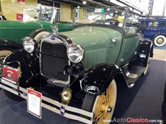 Salón Retromobile FMAAC México 2015 - Ford A Roadster 1928
