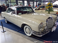 Salón Retromobile FMAAC México 2015 - Mercedes Benz 250SE Coupe 1965